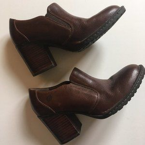 NWOT Born Brown Gertrude Ankle Leather Booties
